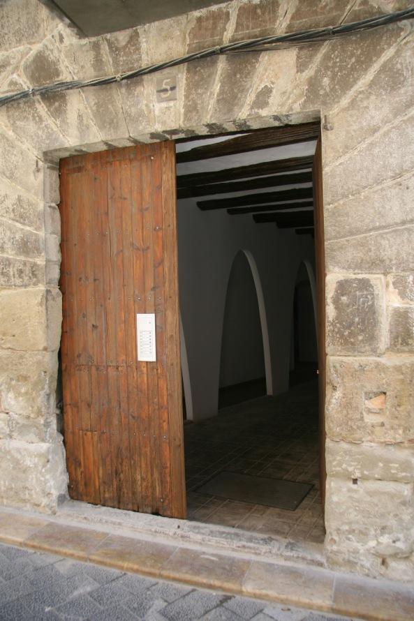 Casa Oliván, Graus. Puerta