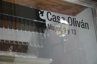 Casa Oliván, Graus. Detalle portal